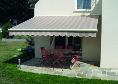 JBR Store coffre extérieur bannes projection vertical parasol protection solaire dickson sattler vachet acrylique 4